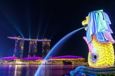 LAS VEGAS SANDS SINGAPORE CASINO ITS ONLY NET EARNER IN Q3
